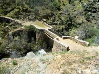 Cascadas del Aljibe - Arquitectura Negra;9 de noviembre emperador carlos v excursiones cerca de madr